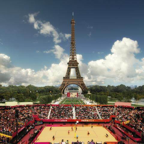 Paris 2024 – Beach Volleyball in front of the Eiffel Tower