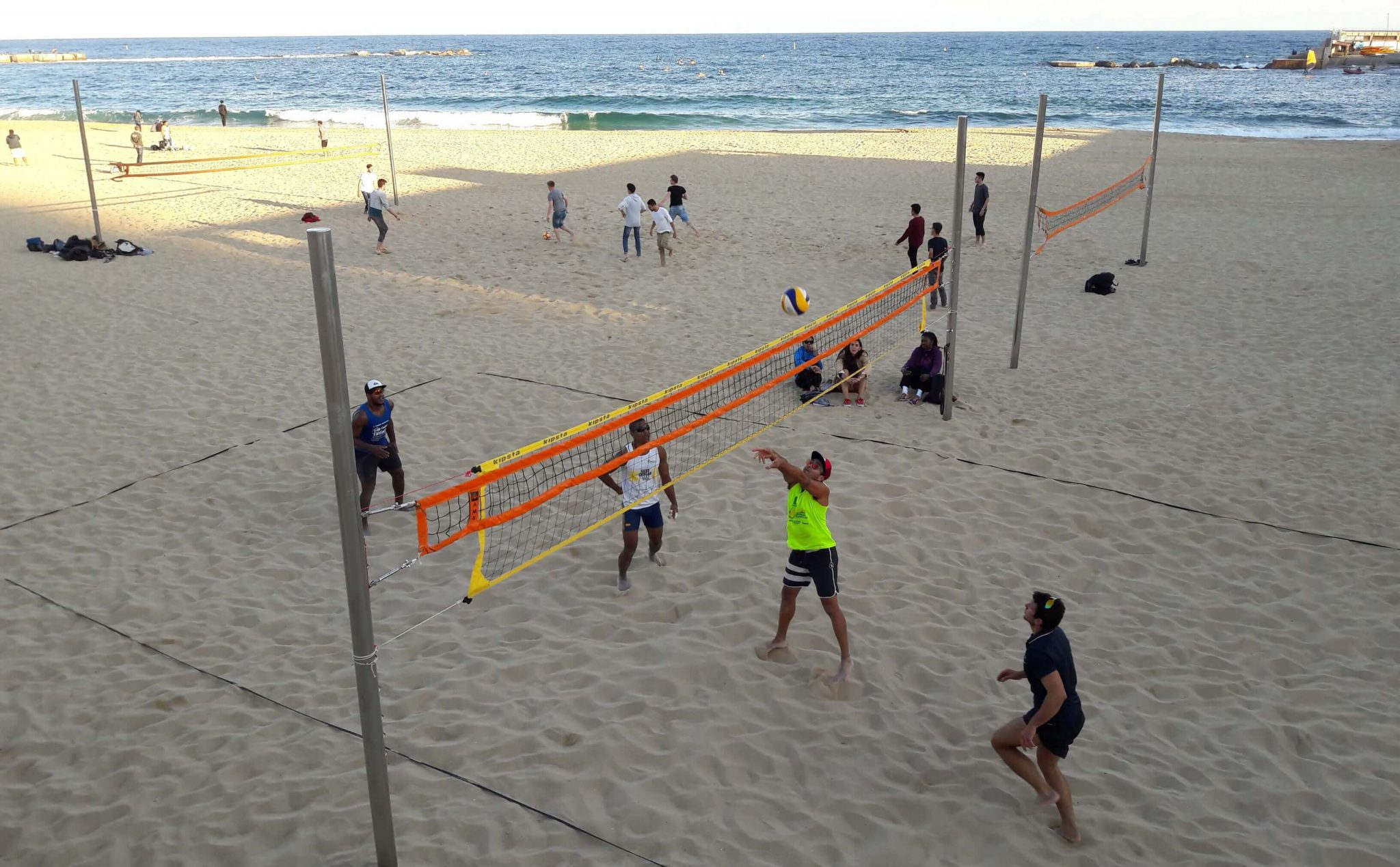 Escaping the upcoming winter – Beach Volleyball Camps