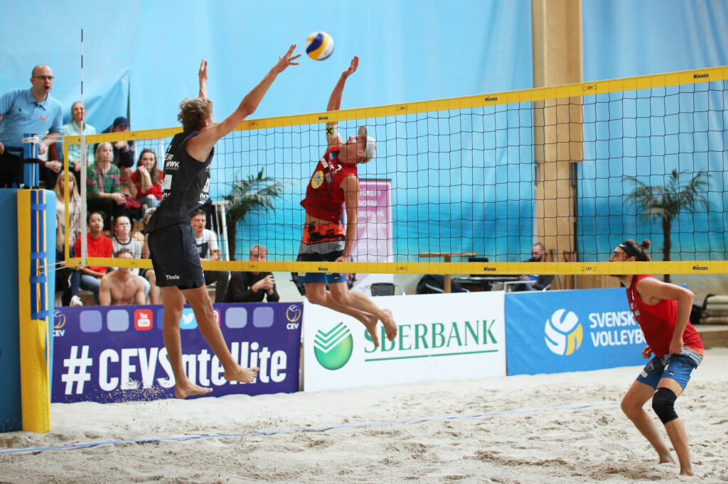 The Definitive Guide To Beach Volleyball Blocking